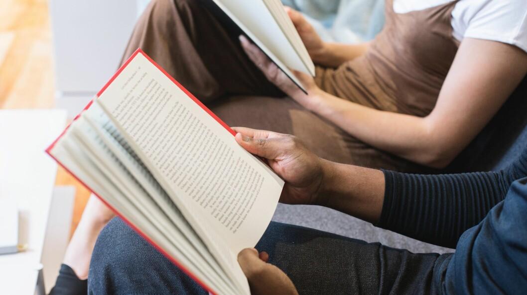 Leseglade nordmenn kan nå handle sine bøker hos Komplett. Foto: Shopify