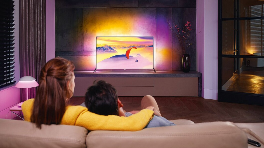 TV\Fy15_LS_TV_7600_LR_Fr-view_Couple_CMYK_nett.jpg
