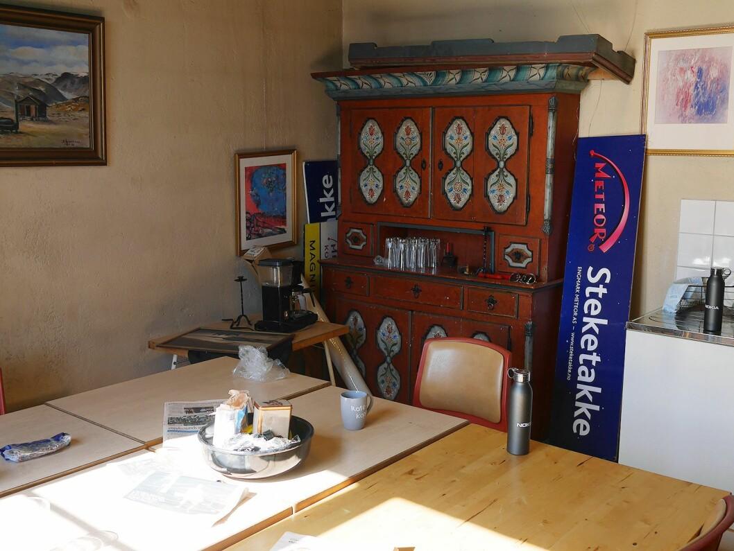 Dette framskapet på spiserommet er planlagt brukt i et fremtidig utstillingsrom. Foto: Stian Sønsteng.