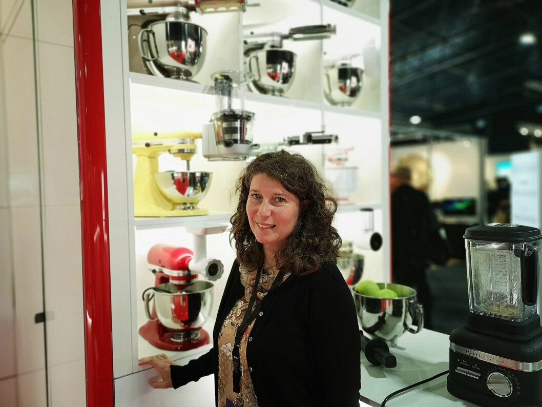 Maria Chiara Sereno, opplæringsansvarlig i KitchenAid, setter pris på å få møte Elkjøp-ansatte fra hele Norden under Elkjøp Campus. Foto: Marte Ottemo