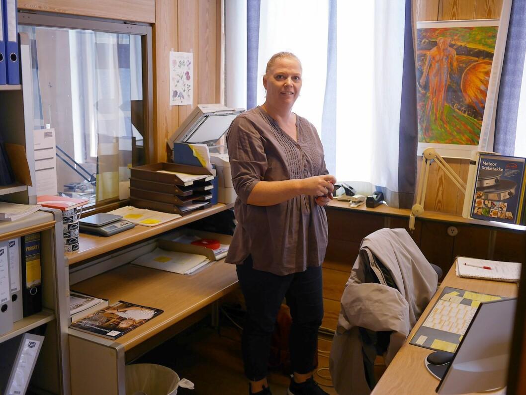 Marit Øvergaard arbeider på kontoret ved Engmark Meteor AS. Foto: Stian Sønsteng.