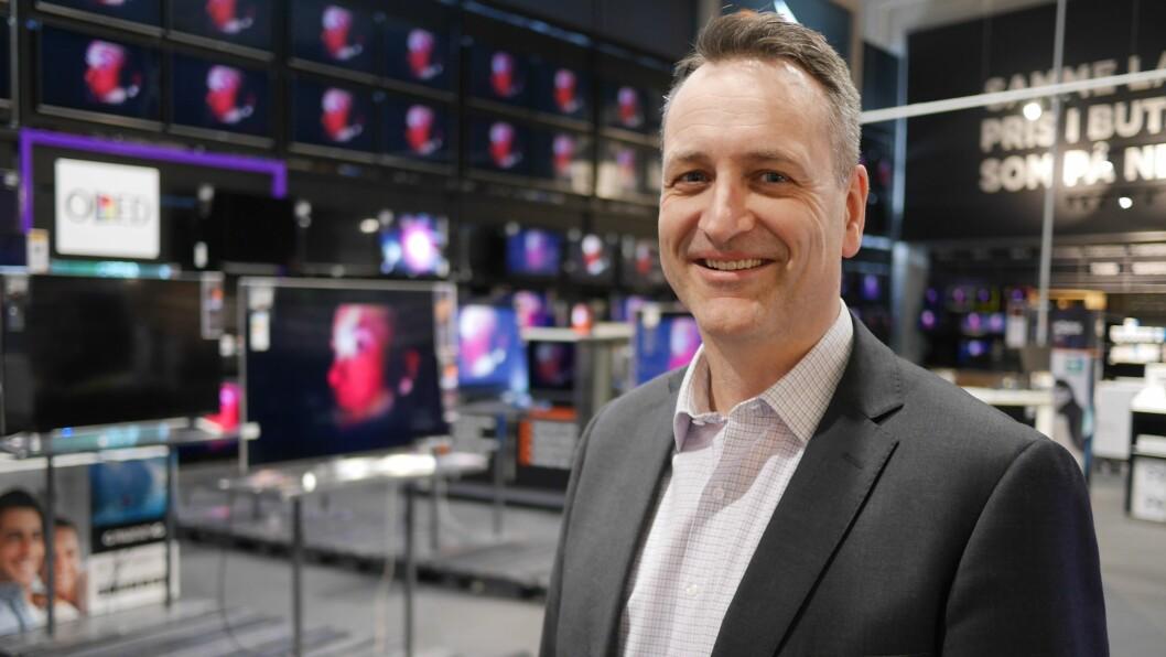 Administrerende direktør Jan Røsholm sier tallene for første halvår 2018 viser en liten nedgang i salget av forbrukerelektronikk på 5,7 prosent, etter et meget sterkt fjorår. Foto: Stian Sønsteng