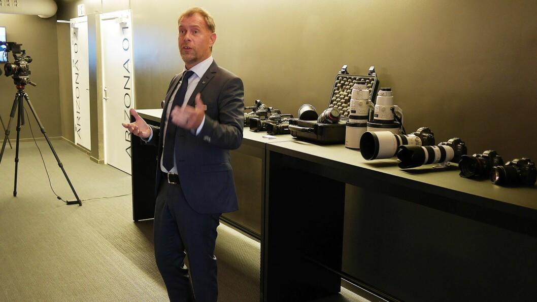Christer Byfors leder Imaging Technologies and Communications Group (ITCG) i Canon i Norden, og ønsket pressen velkommen til sin del av Arena 18. Foto: Stian Sønsteng