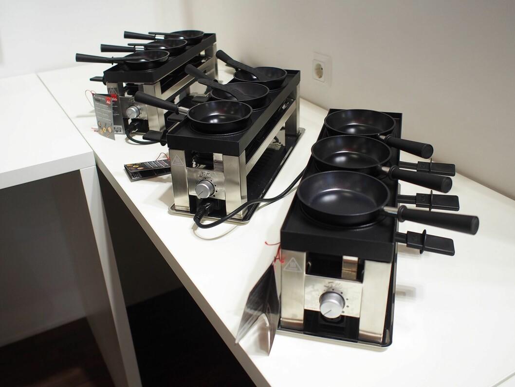 Opptil tre moduler kan kobles sammen om du har langbord og mange gjester. Prisen for en modul er 1299 kroner. Foto: Jan Røsholm.
