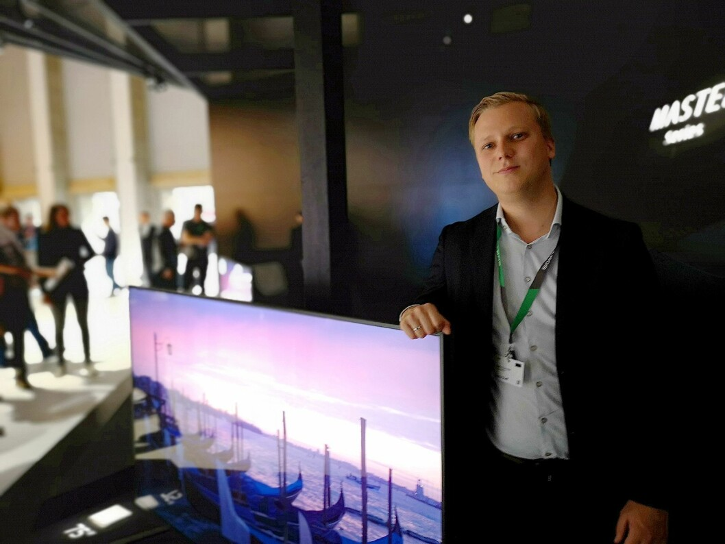 Steffen Rye Holst, senior produktansvarlig for TV i Norden, sier Sonys nye Master-serie av TVer skal gi folk i stuen det bilde Hollywood har tenkt. Foto: Marte Ottemo.