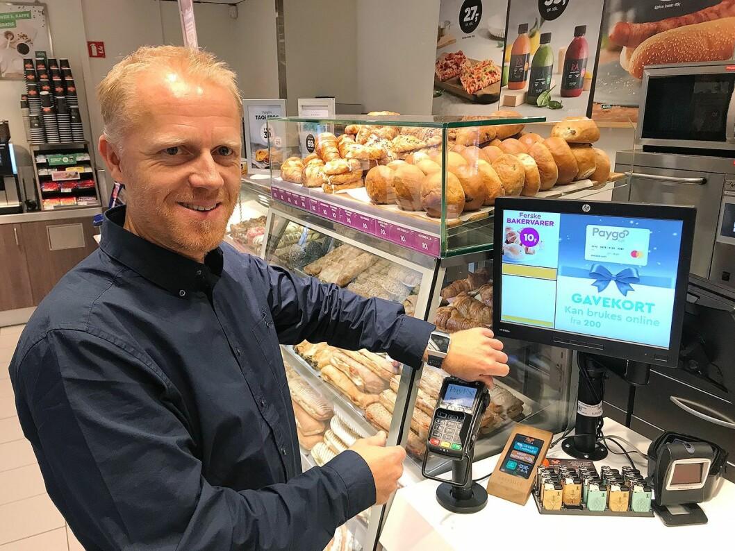 Kronikkforfatteren deler sine erfaringer om betaling med denne smartklokka. Foto: Knut Ellingsen
