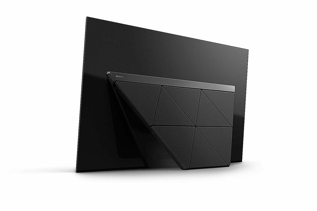 Sonys AF9 oled-TV er ikke bare pen å se på foran, også baksiden har fått nytt design. Foto: Sony.