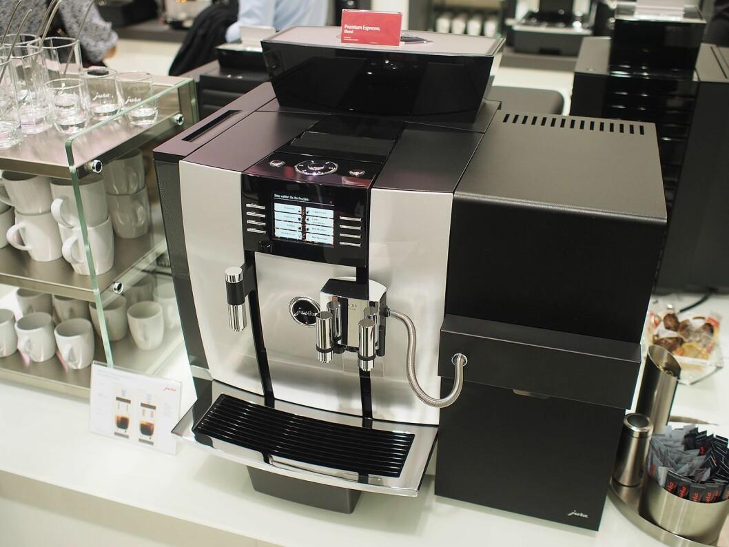 Jura selger også profesjonelle maskiner, her er modellen Giga X3. Foto: Jan Røsholm.