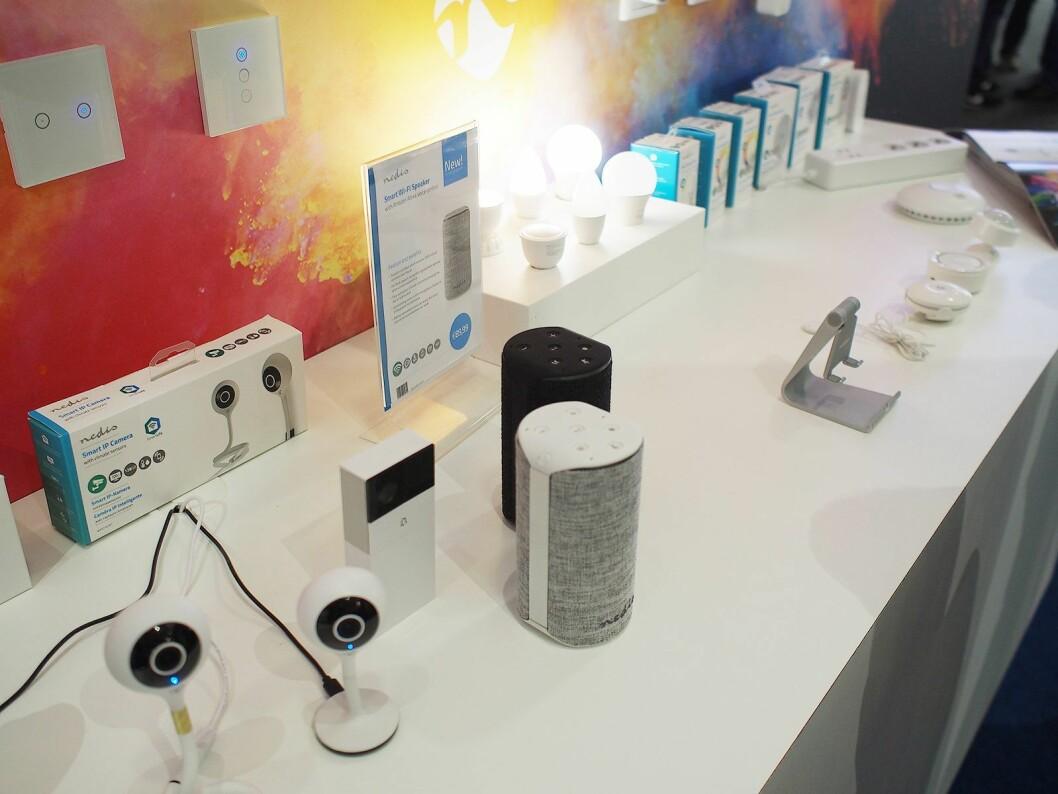 Nedis tilbyr flere typer smarte produkter. Foto: Jan Røsholm.