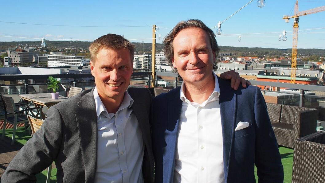 Kjedeleder Asle Bjerkebakke (t. v.) i Euronics Norge og konsernsjef Stefan Lebrot i Elon under kompetansedagene i Fredrikstad. Foto: Jan Røsholm