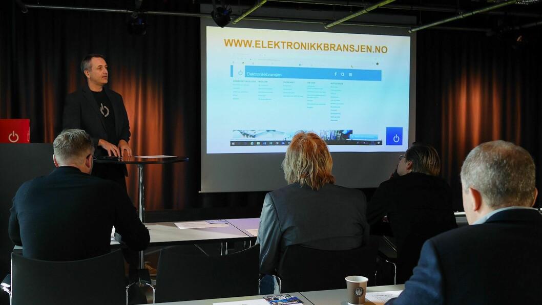 Administrerende direktør Jan Røsholm i Stiftelsen Elektronikkbransjen var møteleder på Musikkbransjedagen. Foto: Stian Sønsteng.
