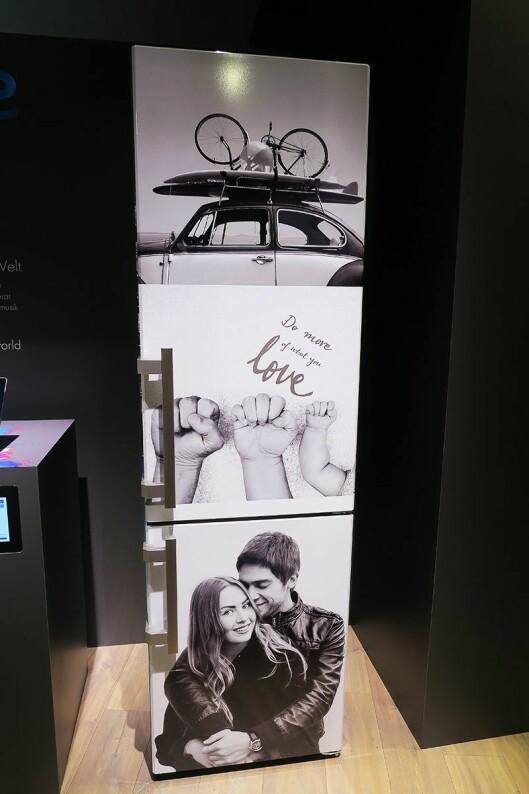 De som ønsker et personlig preg på kjøleskapet, kan få det dekorert med egne bilder. Foto: Cathrine Pedersen.