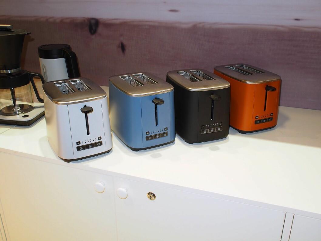De tre nye fargene i Classic-serien, sammen med den populære i matt svart utførelse. Foto: Jan Røsholm.