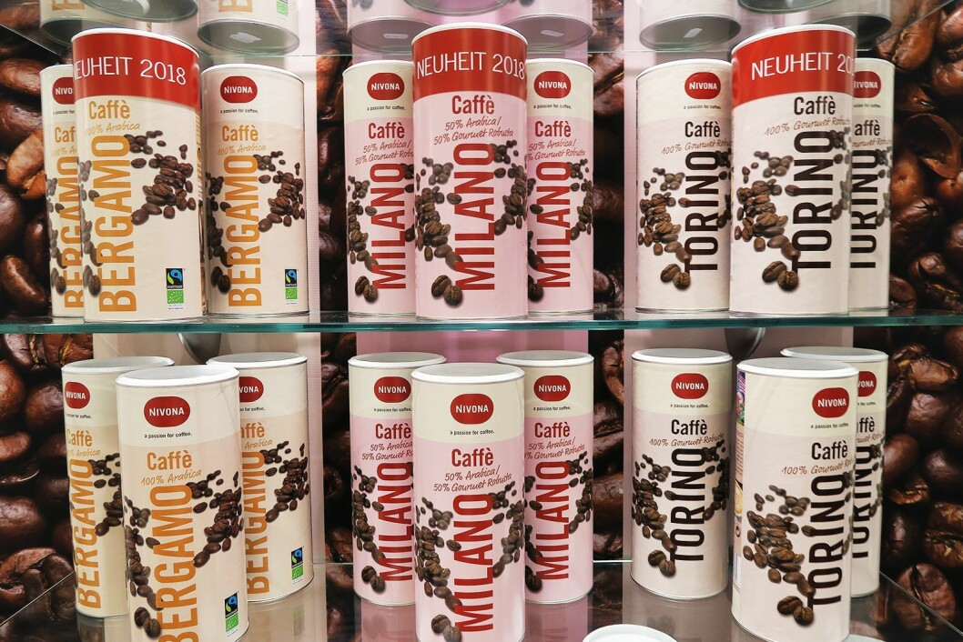 Kaffebønner på boks fra Nivona. Torino er robusto, Bergamo er arabica, mens Milano er en halvblanding. Foto: Cathrine Pedersen.
