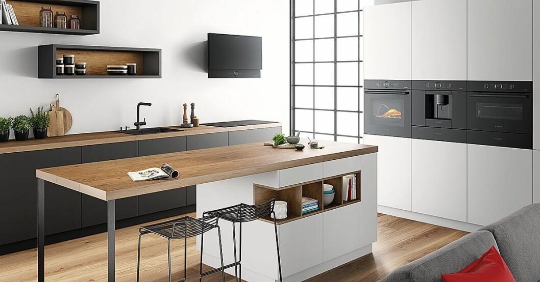 Bosch har fått nytt design på noen av sine kjøkkenprodukter, og serien heter Black Carbon. Foto: BSH.