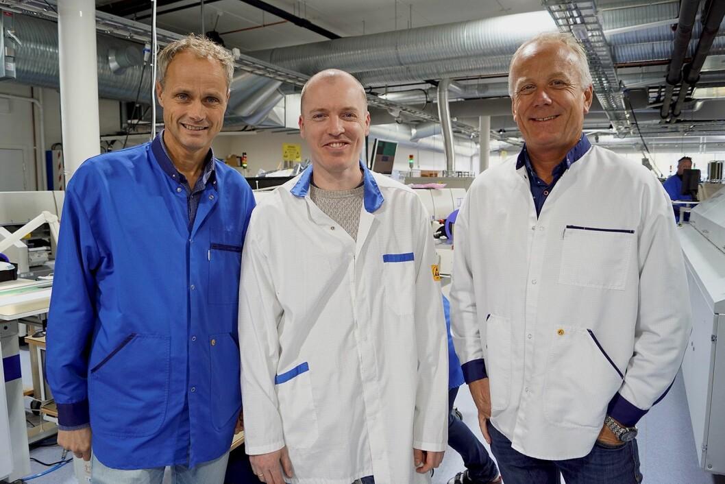 Fabrikksjef Bjørn Furu (f. v.) ved Dynamic Precision på Lillestrøm, ingeniør og produktutvikler Jon Olavsson Neset, og investor Roy Hangeland. Foto: Trygve Strand Joakimsen, Romerikes Blad.