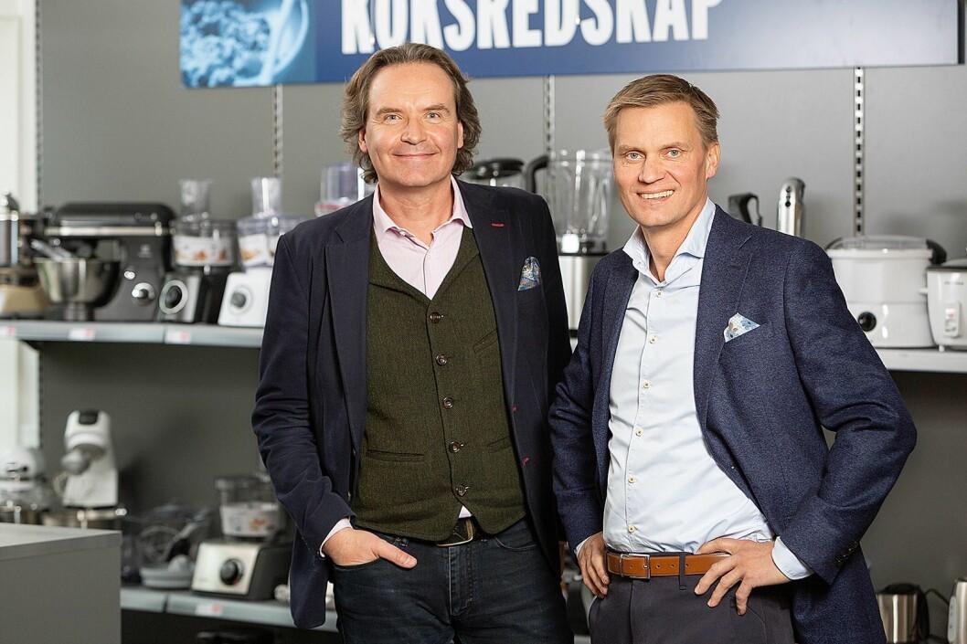 Konsernsjef Stefan Lebrot (t. v.) i Elon Group og administrerende direktør Asle Bjerkebakke i Elon Norge AS. Foto: Elon.