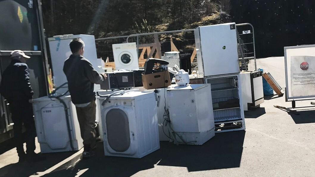 Kasserte produkter ved EE-mottakene er fristende for enkelte. Foto: Norsirk