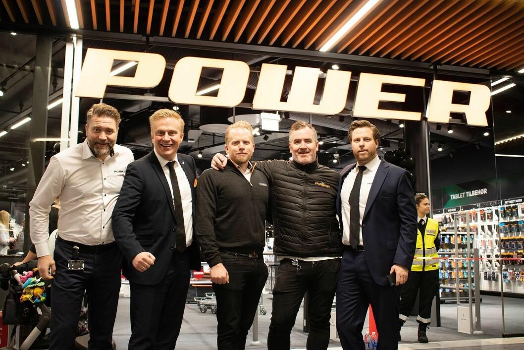 Under åpningen av Power Jærhagen deltok blant annet Morten Hovland (f. v.), Thomas Marthinsen, Magnus Schonhowd, Kjell Arntsen og Lars Hoel fra kjedekontoret. Foto: Tobias Rønningen, Power