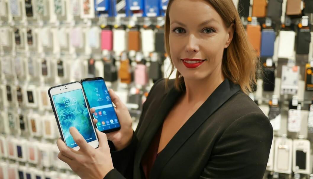 Mobiltelefonen ligger på topp på kvinnenes ønskeliste, sammen med smartklokker, sier kommunikasjonssjef i Stiftelsen Elektronikkbransjen, Marte Ottemo. (Foto: Stian Sønsteng