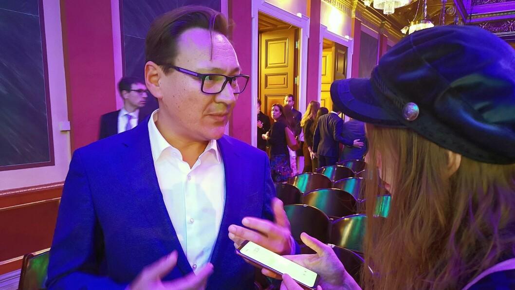 Komponist Mark Sayfritz blir intervjuet av Aslaug Olette Klausen i Ballade.no. Foto: Stian Sønsteng.
