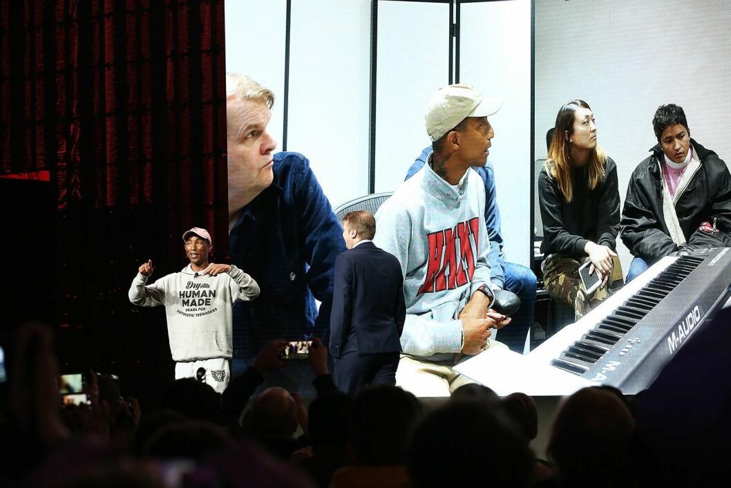 På sin pressekonferanse valgte Sony å fokusere på hele sin ekspertise innen underholdning, her var Pharell Williams på scenen og fortalte om hvordan han produserer sin musikk. Foto: CES.
