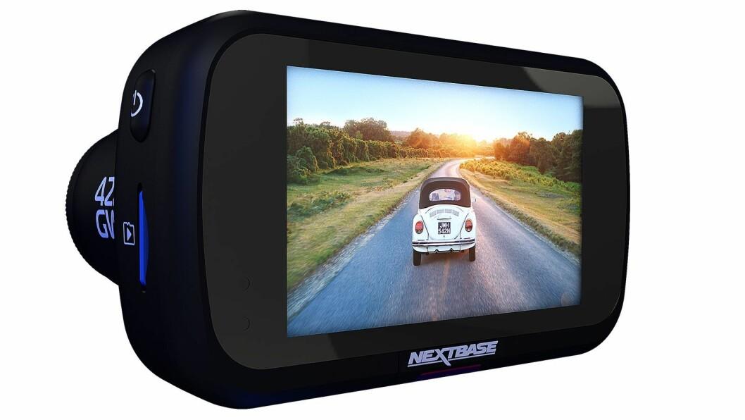 Kamera 422GW har berøringsskjerm og kommuniserer med mobiltelefon via blåtann 4.2. Foto: NextBase