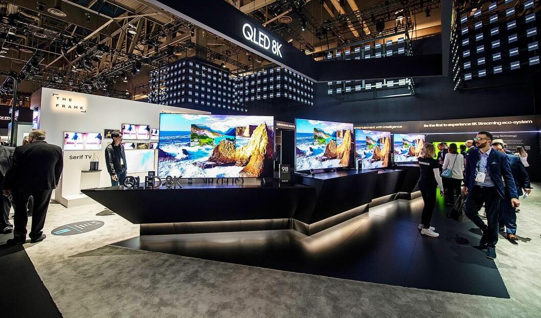 TVene blir både større og dyrere, nå står 65 tommer for 26 prosent salget i Norge. Foto: CES.
