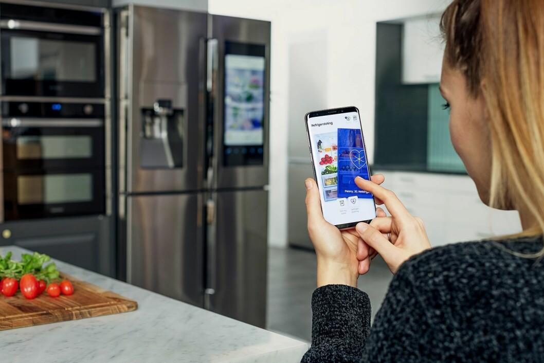 Samsung vil hjelpe nordmenn å finne kjærligheten – via kjøleskapet. Foto: Samsung