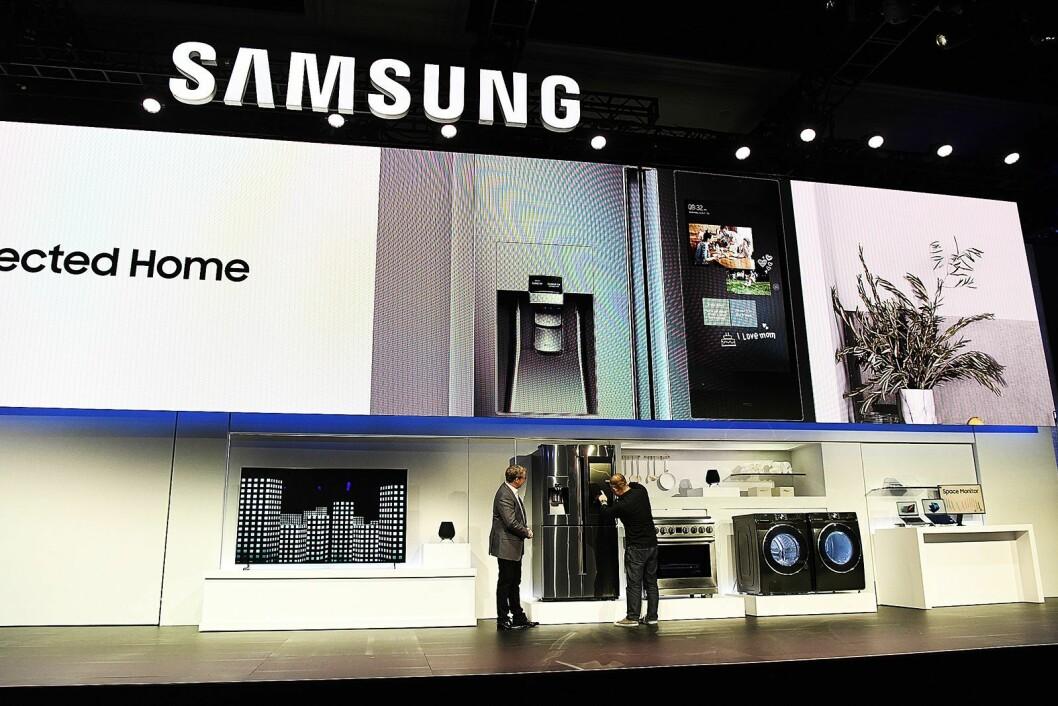 Hvitevarene blir stadig smartere, og snakker også med hverandre. Nye vaskemaskiner og en oppgradering av kjøleskapet Family Hub stod på menyen under Samsungs pressekonferanse på CES. Foto: Samsung.