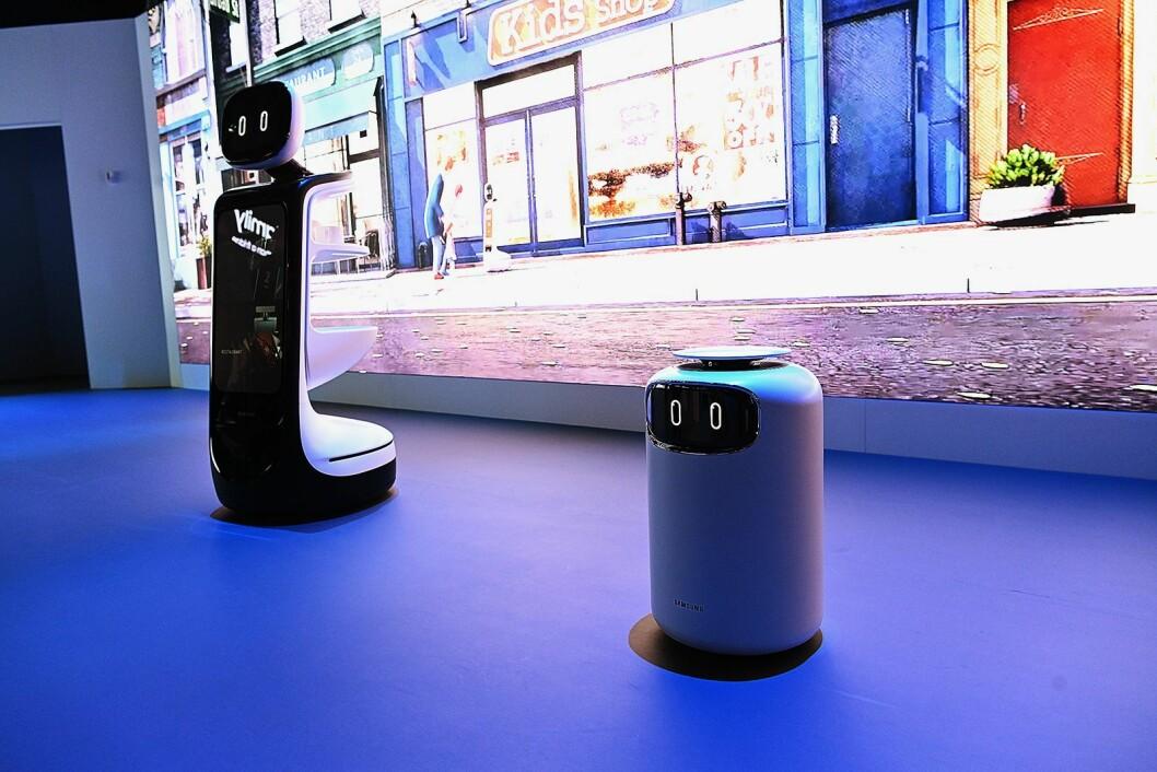 Kunstig intelligens stod på tapetet hos de fleste på CES, og Samsung lanserte en rekke roboter som skal hjelpe med alt fra shopping til helseovervåkning. Foto: Samsung.