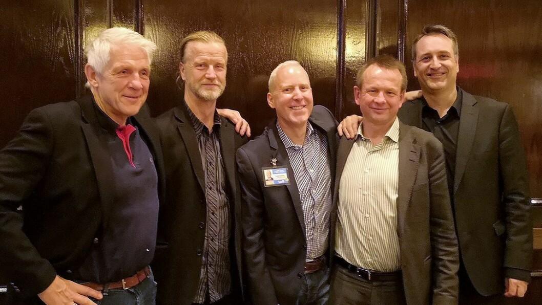 Fra venstre: Odd Richard Valmot fra Teknisk Ukeblad, Klas Elm fra svenske Elektronikkbranchen, Steve Koenig fra den amerikanske bransjeforeningen, Henrik Egede fra den danske bransjeforeningen og Jan Røsholm fra Elektronikkbransjen.Foto: Marte Ottemo
