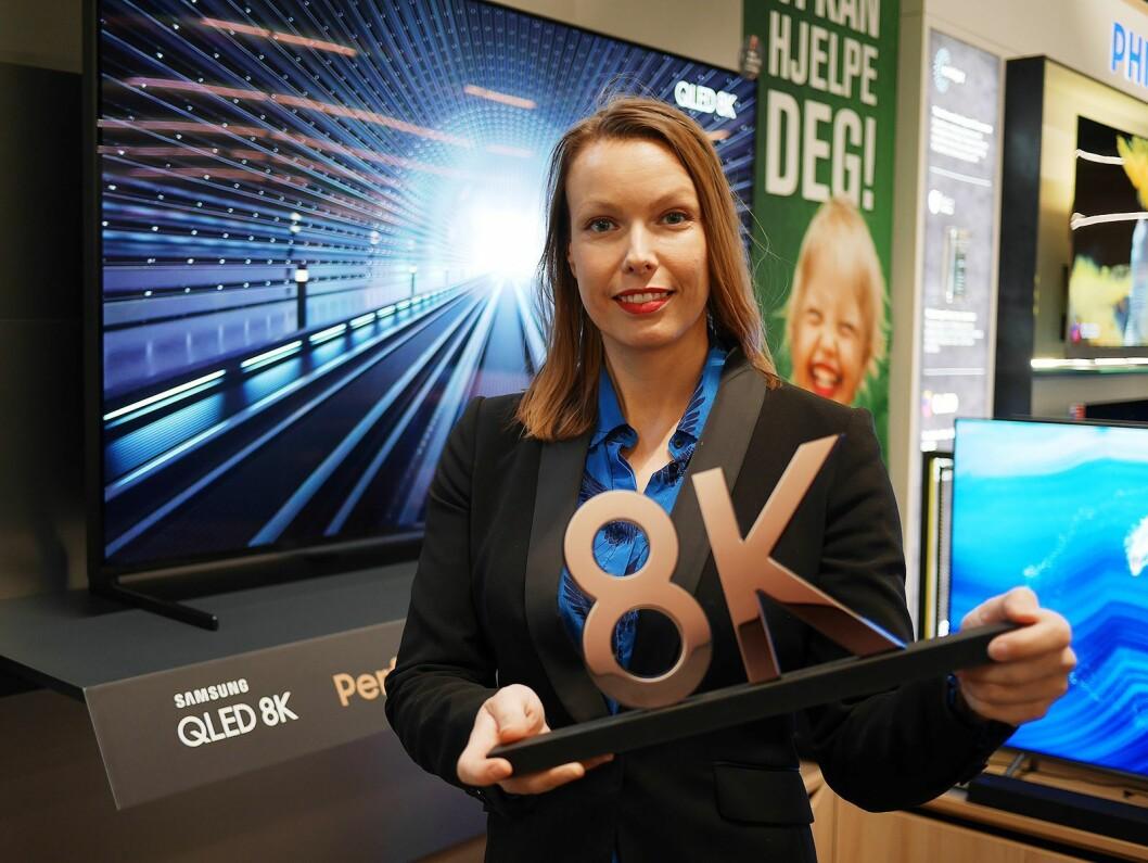 Kommunikasjonssjef i Stiftelsen Elektronikkbransjen, Marte Ottemo, tror at 8K-TVene som kommer på markedet i 2019 vil gjøre at nordmenn velger enda større modeller framover. Foto: Stian Sønsteng.