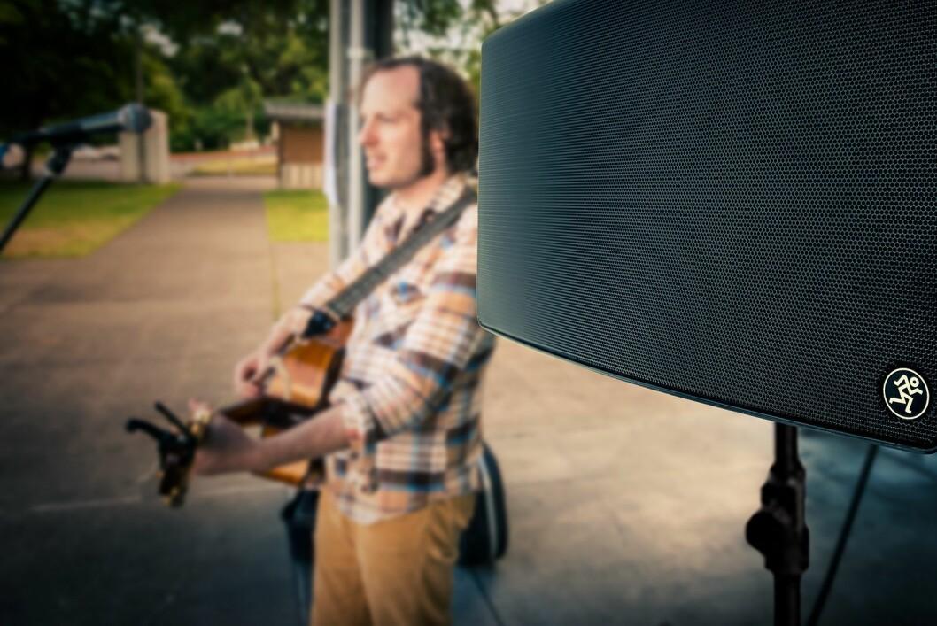 Mackie FreePlay Live er på 150 watt, kan brukes alene eller i par, og har en trekanals mikser i mobilappen. Foto: Mackie