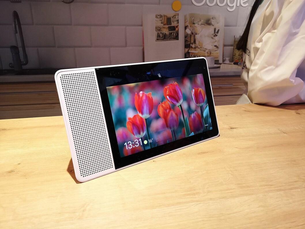 Lenovo Smart Display er et av smarthjem-produktene selskapet håper å lansere i Norge i løpet av året. Foto: Marte Ottemo.