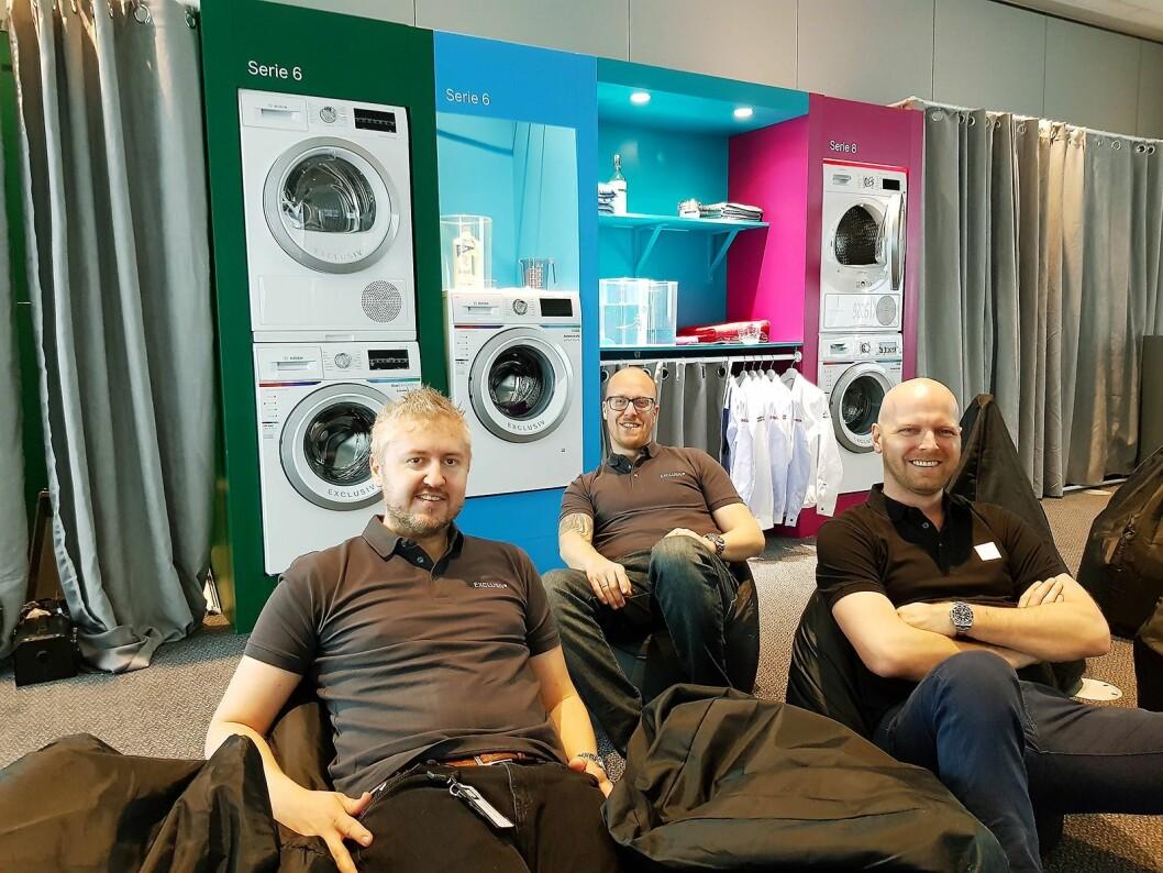 Representantene fra BSH slapper av mellom de ulike gruppene. Fra venstre Thomas Nybø Antonsen, Stian Lyro og Morten H. Kristensen. Foto: Jan Røsholm