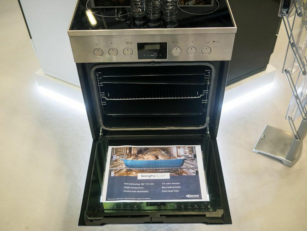 En ny komfyr fra Gram med BakingPro System. Foto: Ola Larsson.