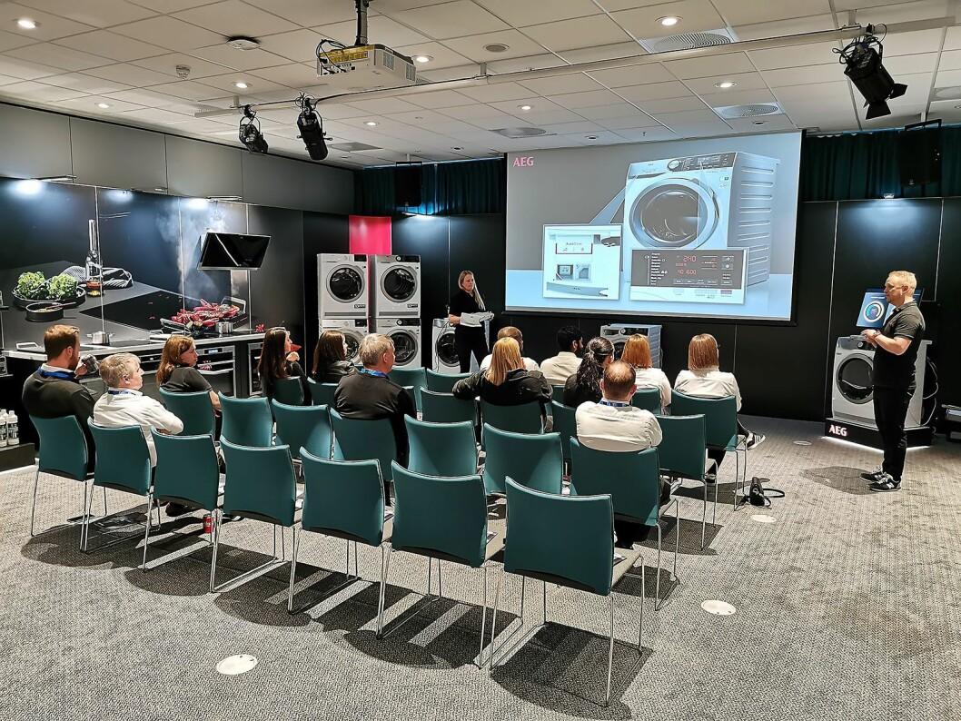Fra kursrommet til AEG under PowerUp. Foto: Stian Sønsteng.