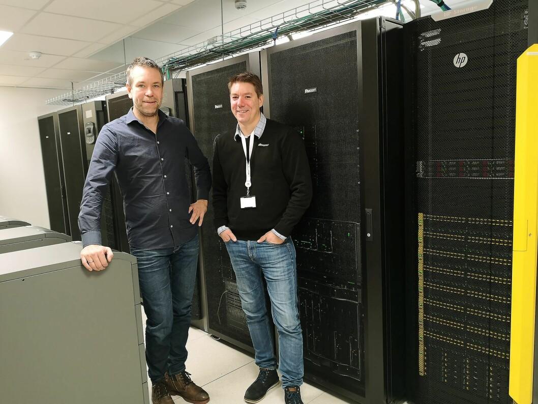 Prosjektleder Jarl Esten Husa i Coromatic AS (t. v.) og IT-direktør Frode Næss Larsen i Power. Foto: Coromatic