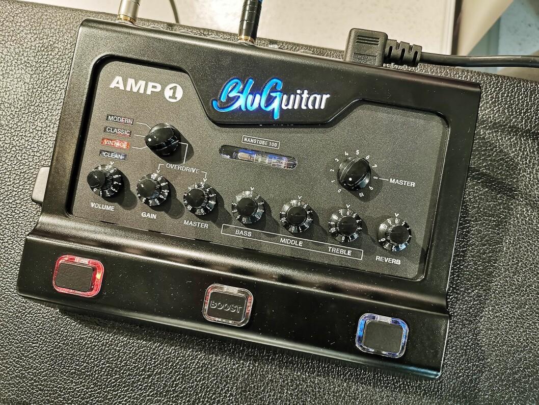 Forsterkertoppen BluGuitar AMP1 Iridium Edition er utviklet for metallgitarister, og er ventet i salg før jul. Foto: Stian Sønsteng.