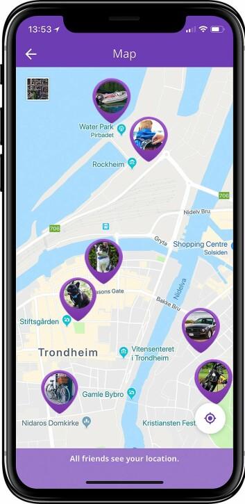 Tail it-appen er gratis, og kan brukes uten noen av de fysiske produktene. I Trondheim har de et prøveprosjekt, der også de lokale bussene kan spores i appen. Foto: Tail it.