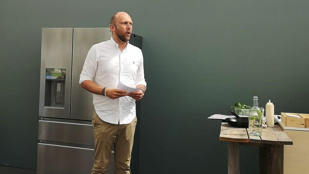 Digital kundeansvarlig i Electrolux Norge, Henning Torsrud, presenterte selskapets Greep Gap-undersøkelse på arrangementet i Stockholm. Foto: Marte Ottemo.