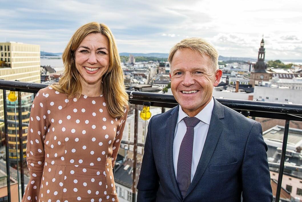 Sjefanalytiker for bærekraftig finans i Nordea, Thina Saltvedt, og administrerende direktør i Norsirk, Stig Ervik, er enige om at bærekraft er framtiden. Foto: Norsirk/Simen Berg