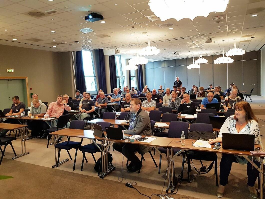 På samlingens første dag var verkstedlederne samlet til administrasjonskurs. Foto: Jan Røsholm.