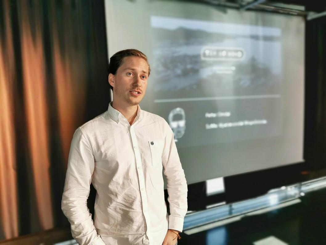 Petter Omdal i det digitale markedsføringsbyrået «Top of Mind» ga en innføring i hvordan man kan lykkes i sin digitale strategi. Foto: Stian Sønsteng.