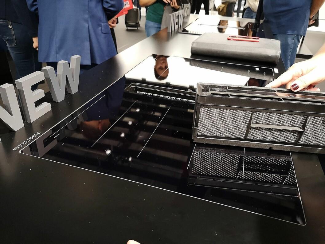 Bosch' platetopp med innebygd ventilator har blitt enklere å både montere og rengjøre. Foto: Marte Ottemo.