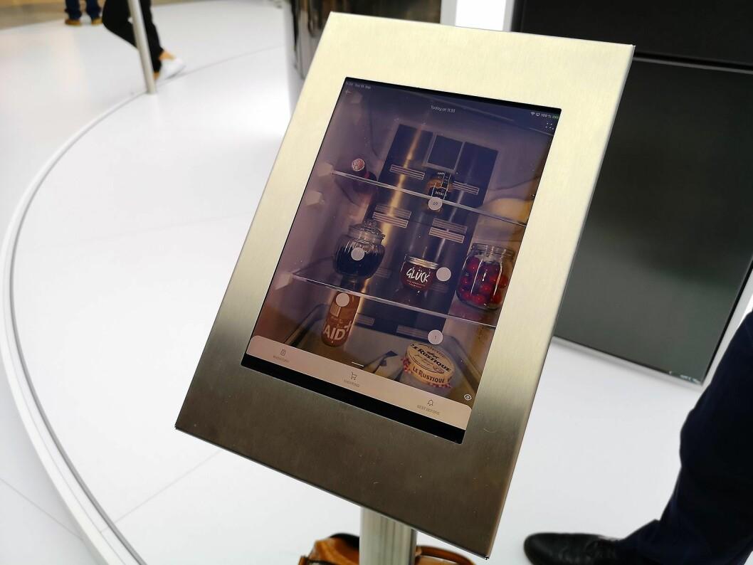 Kameraet Smarter lar deg se akkurat hva du har i kjøleskapet via selskapets app. Foto: Marte Ottemo.