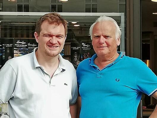 Rainer Fredriksen (t. h.) og butikksjef Frode Nyland ved Elon Bergen. Foto: Elon.