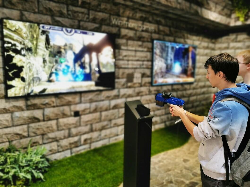 Samsungs TVer fra RU8005 og oppover, samt alle qled-modeller, støtter FreeSync som gir en responstid på 6,4 millisekunder. Foto: Stian Sønsteng.
