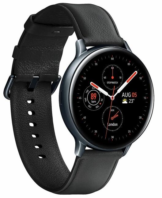 Galaxy Watch Active 2 har fått åtte fotodiode-sensorer for pulsmåling. Her er smartklokken i 44 mm størrelse. Foto: Samsung.